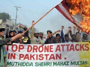 ¤ L'ONU commence à enquêter sur la légalité du programme d'attaques de drônes et d'assassinats à distance mené par les USA dans Outils/Bon à savoir stop-drone-attacks-300x225